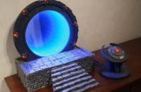 查看带有工作灯光和声音的Raspberry Pi驱动的Stargate