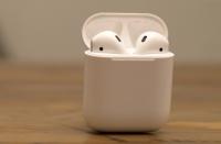科技资讯看点:AppleAirPods2将于下个月推出除了Siri支持健康传感器之外