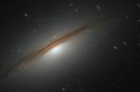 科技资讯看点:哈勃捕获卓越的银河UGC12591的图像